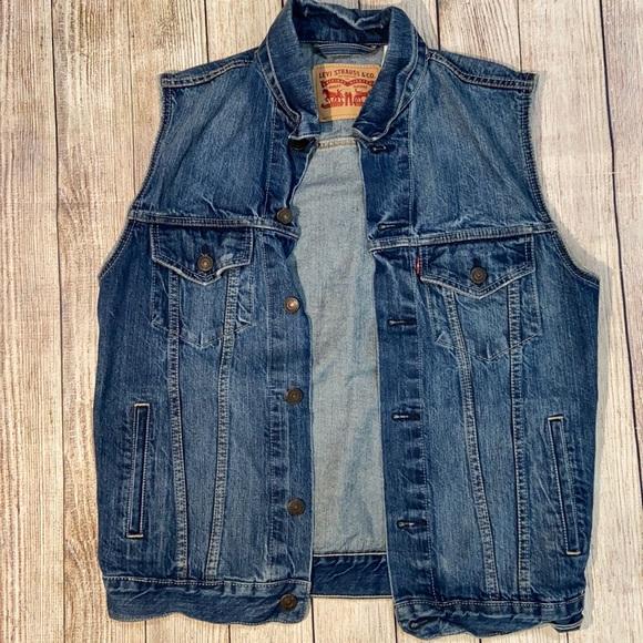 Men's Levi's Denim jean vest medium